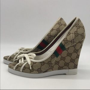 Gucci monogram lace wedge size 8